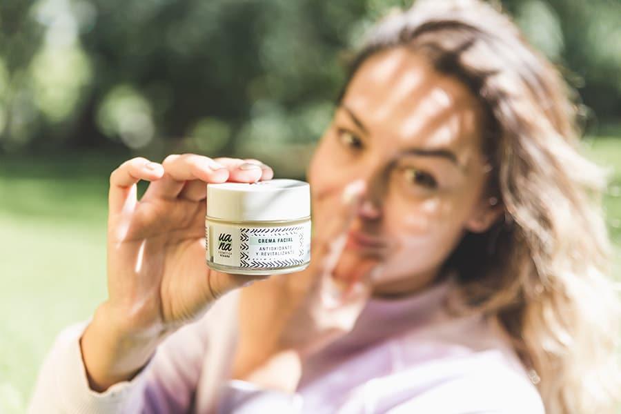 Crema hidratante UANA:  Rutina de belleza para el buen tiempo